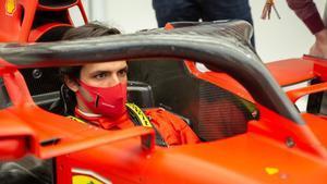 Sainz ya se prueba en el Ferrari