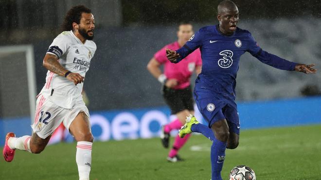 Marcelo, en una jugada con Kanté