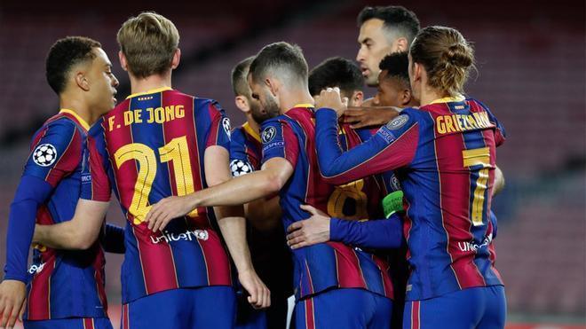 Los azulgranas celebran el tanto de Messi