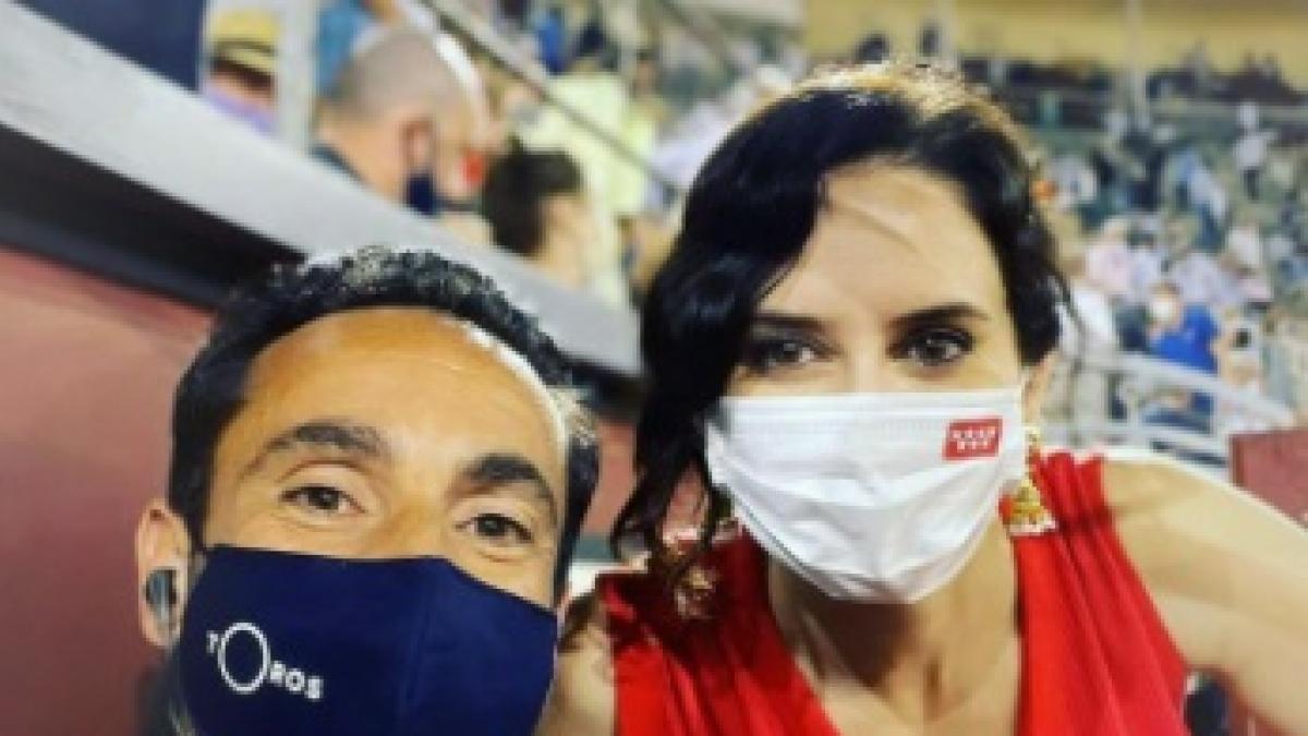 Instagram censura esta fotografía de Isabel Díaz Ayuso en Las Ventas