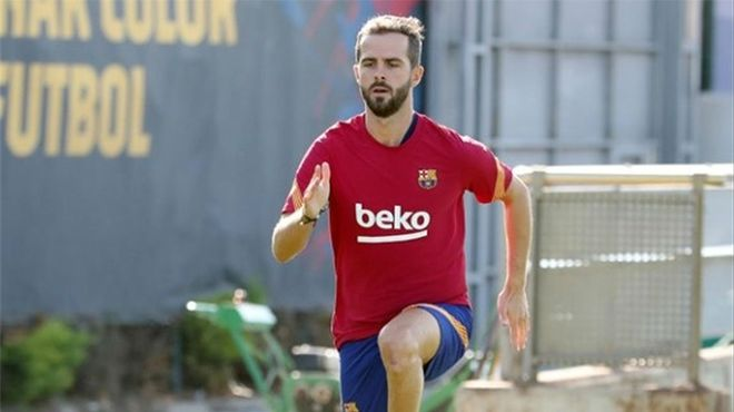 Todibo y Pjanic reciben el alta médica y ya se entrenan en la Ciudad Deportiva del Barça