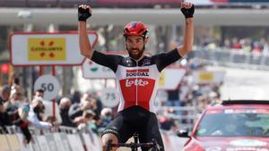 De Gendt, celebrando su triunfo en la última etapa de la Volta