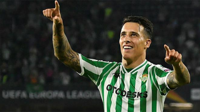 Tello remontó con un golazo de falta imparable para Diego López