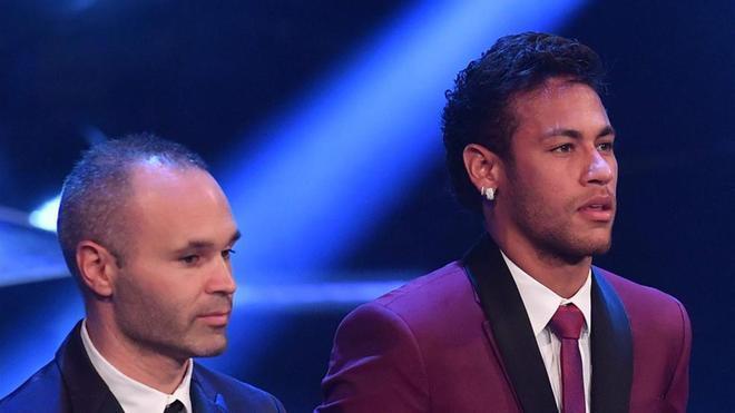 Iniesta se reencontró con Neymar Junior en Londres
