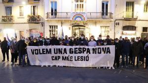 La parroquia escapulada se concentró en la plaza de la Vila de Gràcia