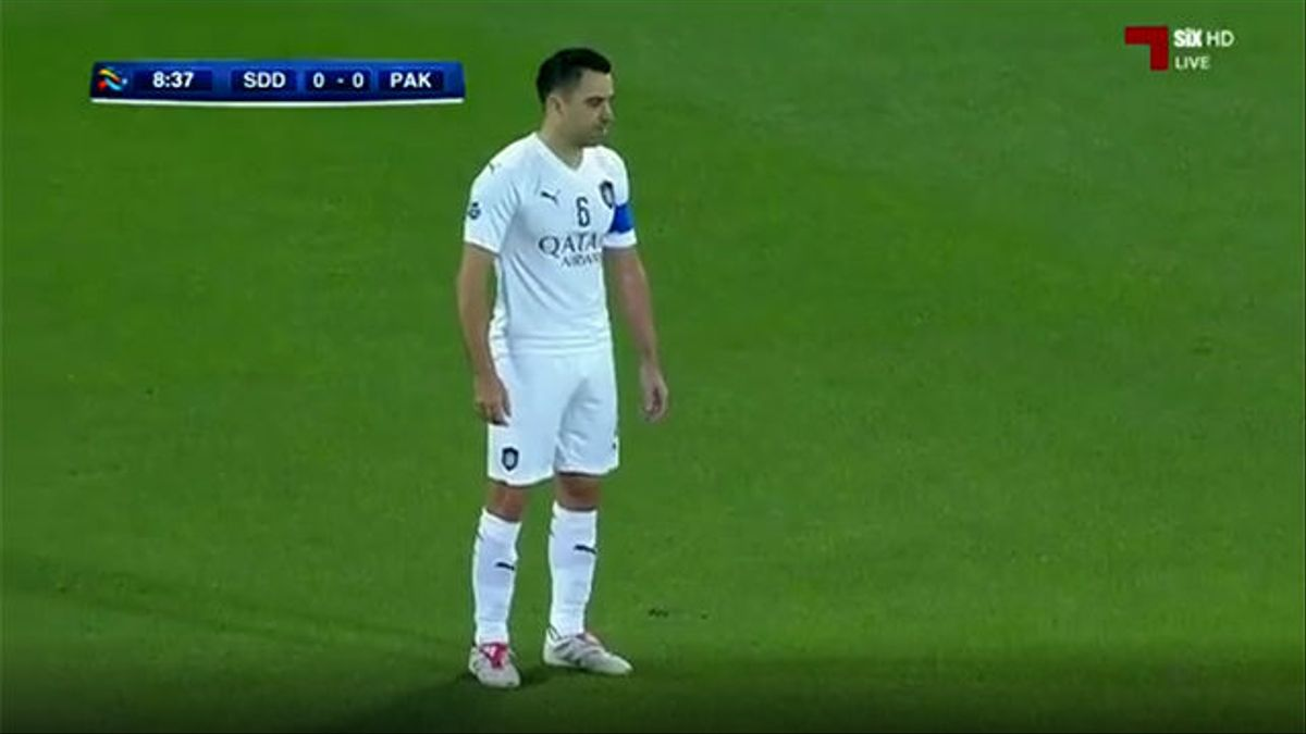 Xavi maravilla en la Champions asiática con un soberbio gol de falta
