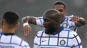 El Inter vence y le hace un regalo al Real Madrid