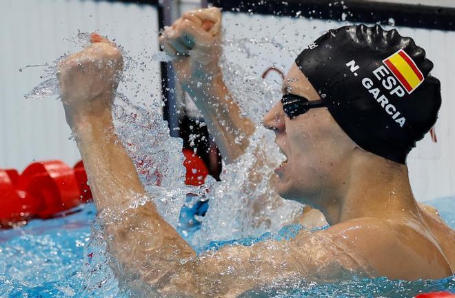 Nico García celebra su tercer puesto en la semifinal de 200 espalda de Tokio 2020.