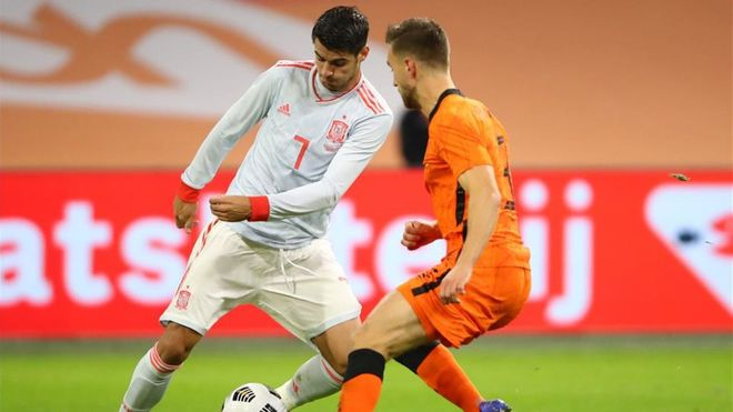 Morata fue de los mejores de España y asistió a Canales en el gol