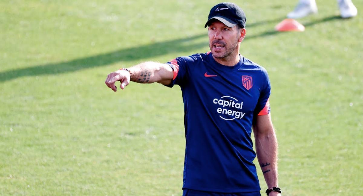 Simeone durante un entrenamiento