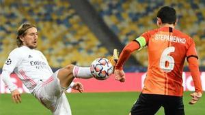 Modric, en una acción del partido ante el Shakhtar