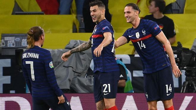 Griezmann, Lucas y Rabiot, celebrando el 1-0