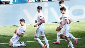 Cesar Azpilicueta celebra su gol ante Croacia