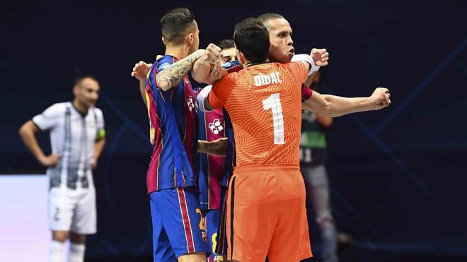 El Barça accedió con solvencia a las semifinales