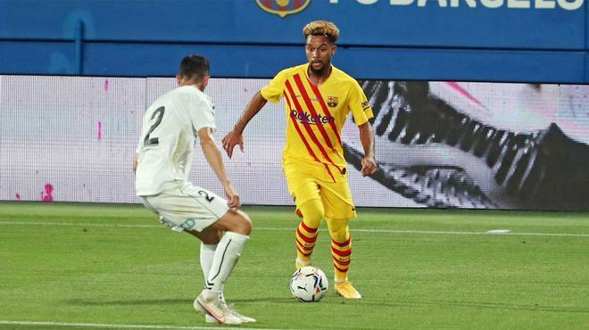 Rapidez, precisión y visión de juego: la jugada por banda de Konrad ante el Girona