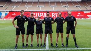 El equipo arbitral de la final de Copa del Rey, con Estrada Fernández al frente