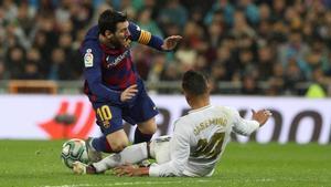 Messi y Casemiro, dos estilos de juego distintos, pero una estadística común