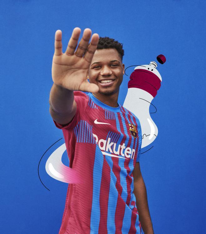 El Barça presenta la camiseta para la temporada 2021-2022