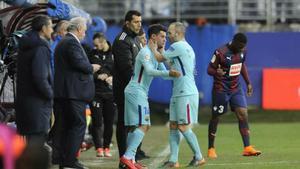 LALIGA | Eibar - FC Barcelona (0-2): La ovación a Iniesta