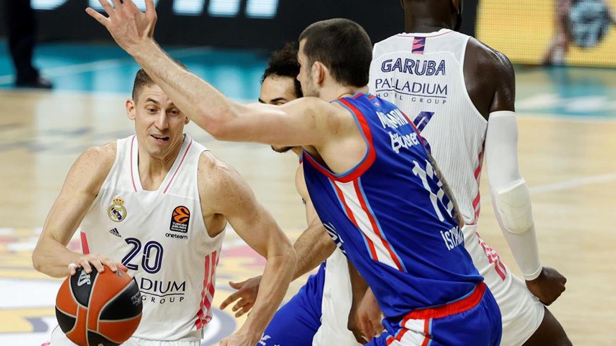 El Madrid sigue con vida en la Euroliga tras superar al Anadolu Efes