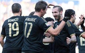Mandzukic, celebrando uno de sus dos goles