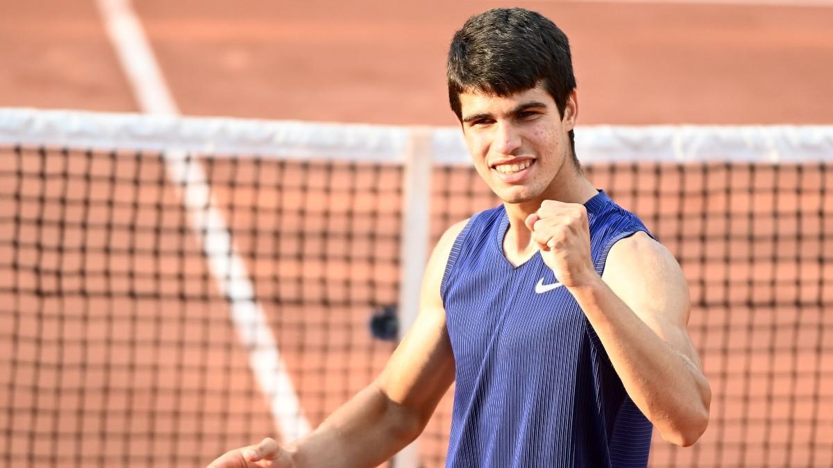 Alcaraz, celebrando su victoria en Roland Garros