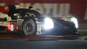 Sigue el mano a mano entre los Toyota por la victoria en Le Mans