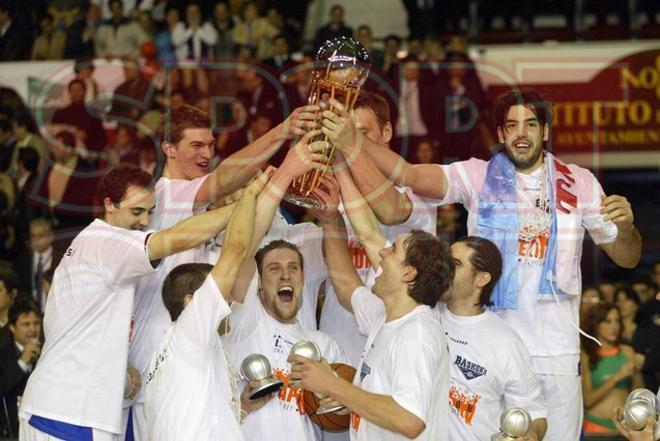Temp 2003-2004 (Sevilla): Final TAU ¿ DKV Joventut