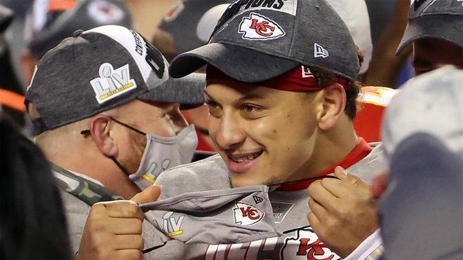 Mahomes: Si eres un atleta joven y no admiras a Brady, estás loco