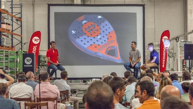 Momento de la presentación de las palas de pádel Rossignol en la fábrica de Artés