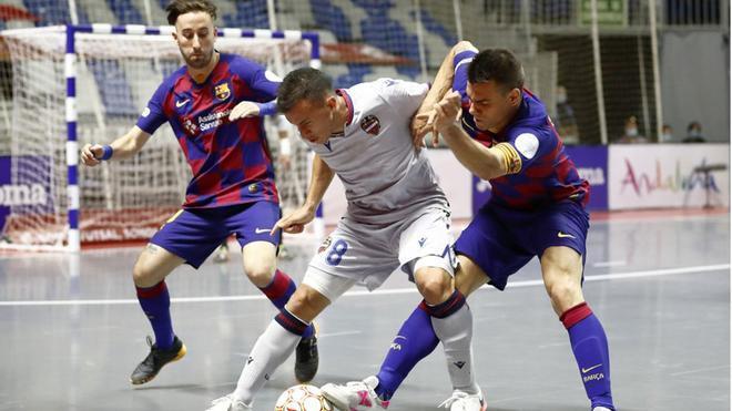Sergio Lozano marcó el 1-0 tras robar esta pelota