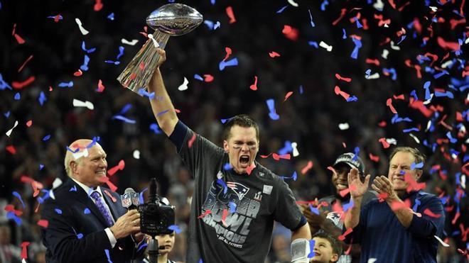 Tom Brady celebrando la Super Bowl frente a los Falcons