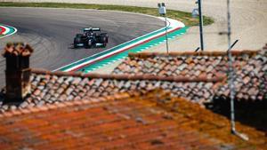Bottas ha liderado el primer día de ensayos en Imola