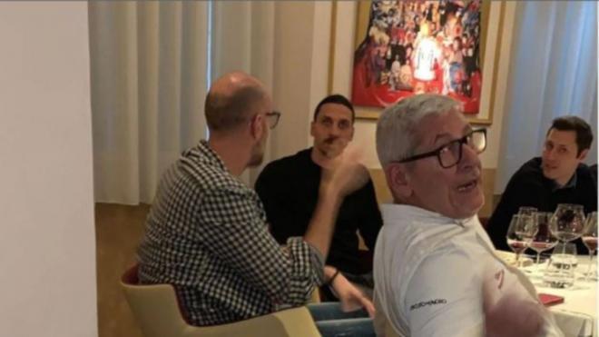 Ibrahimovic, cazado en un restaurante