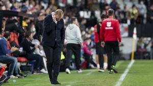 Koeman vivió su último partido como técnico blaugrana en Vallecas