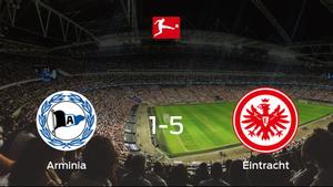El Eintracht Frankfurt logra una goleada en el estadio del Arminia Bielefeld (1-5)