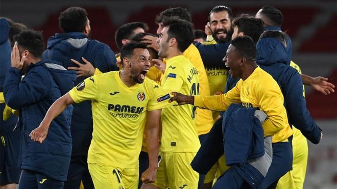 Los jugadores del Villarreal celebran el pase a la final tras empatar con el Arsenal.