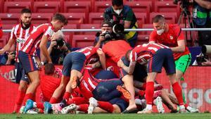 Luis Suárez acerca al Atlético al título liguero