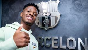 Las imágenes de Ansu Fati en las oficinas del FC Barcelona