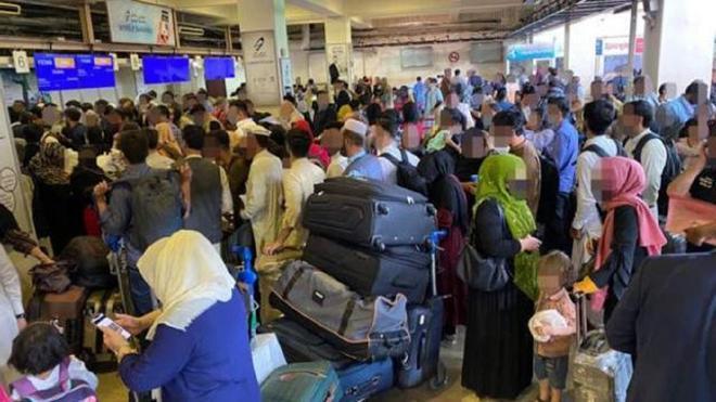 Afganistán gente aeropuerto