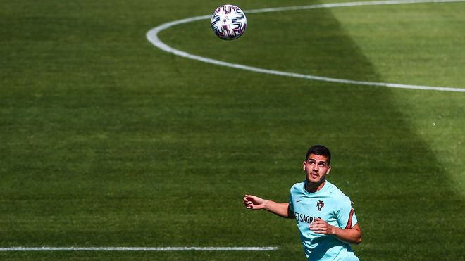 André Silva - Portugal (25 años) El goleador incansable del Eintacht se ha salido este curso
