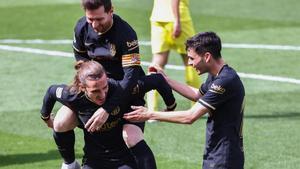 Griezmann celebra con Messi y Pedri el gol al Villarreal