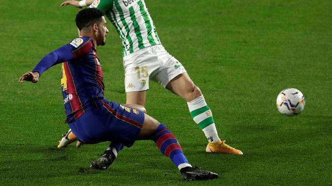 Araújo se lesionó en esta jugada el pasado 7 de febrero