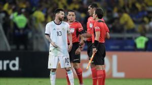 Rudy Zambrano fue el árbitro del Brasil - Argentina