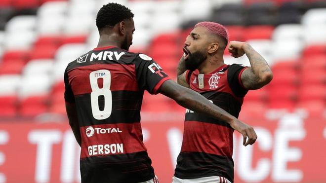 Gabigol celebra el gol que sitúa al Flamengo como líder