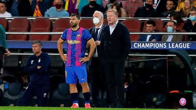 El Kun Agüero jugó sus primeros minutos en la Champions con la camiseta del Barça