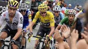 Landa, seguido de Froome y Aru, en acción durante el Tour