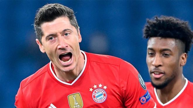 Si le regalas un balón a Lewandowski pasa esto...