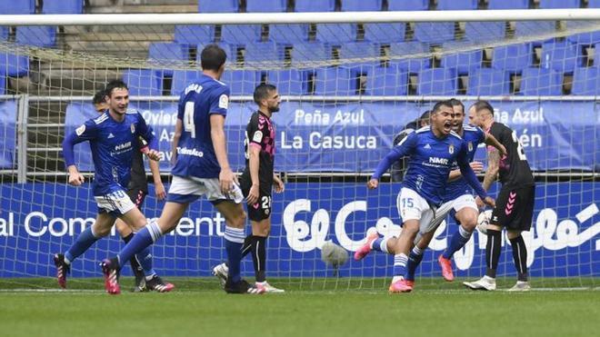 Aún estando a mitad de la tabla, una derrota podría acercar al Oviedo a la zona de descenso