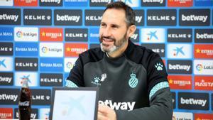 Vicente Moreno durante una rueda de prensa